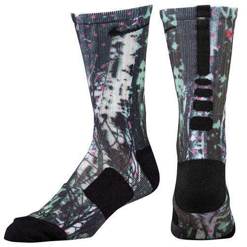nike-lebron-12-christmas-akron-birch-socks